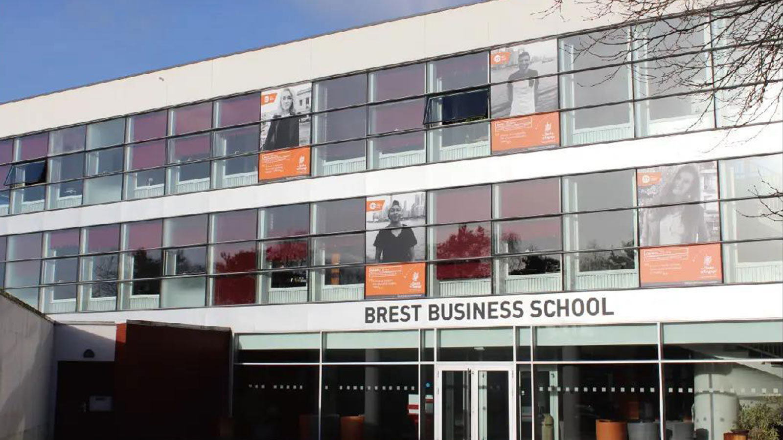 CDA and Bay Bay Education reached a cooperation on training at Brest Business School in France